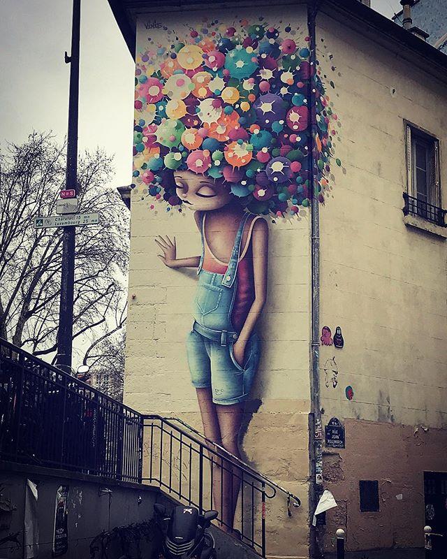 Always a big pleasure to meet her by @viniegraffiti