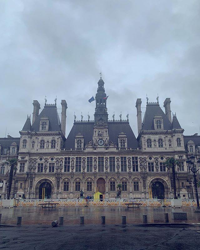 Empty mayor city hall place like its city